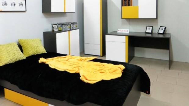 Odnowione ekspozycje salonów Black Red White w Kozienicach, Ostrowi Mazowieckiej i Olsztynku