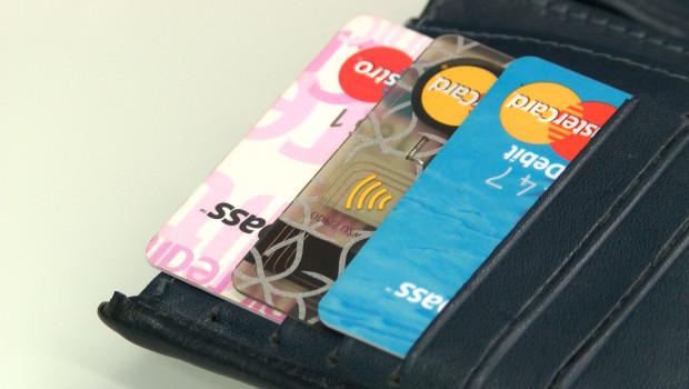 Banki podnoszą opłaty. Sprawdź za co zapłacisz więcej?