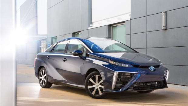 To pierwszy seryjny samochód napędzany wodorem