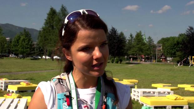 Jabłczyńska pomaga sprzątać Tatry