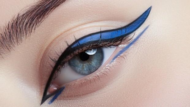 Kocie oko, jaskółka, skrzydełko… w gorących kolorach i upiększających oko kształtach. W tym sezonie triumfują eyelinery w trzech kolorach!