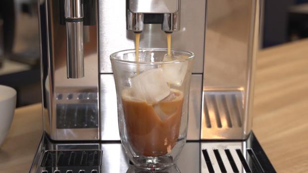 Kawa pomoże przetrwać upały. Sprawdź dwa przepisy