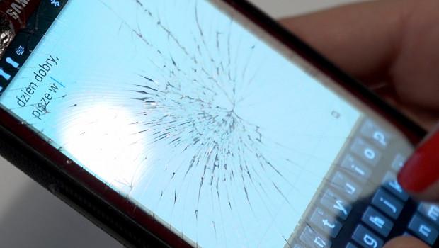 W okresie świątecznym rośnie ryzyko uszkodzenia smartfonów