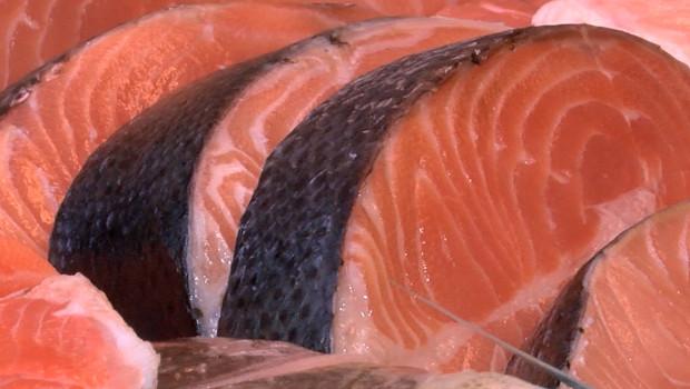A może ryba? Nie… Polacy rezygnują z jedzenia ryb