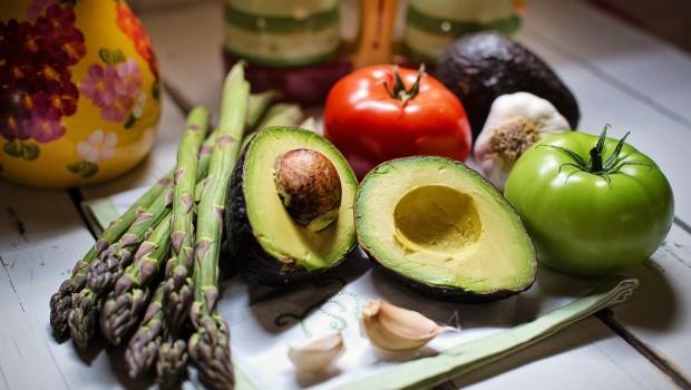 Przewodnik po wegańskich zamiennikach popularnych produktów