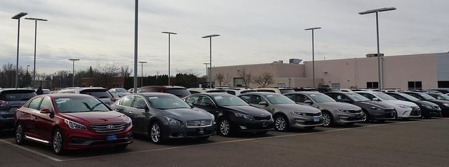 Wakacje pełne ofert sprzedaży aut używanych