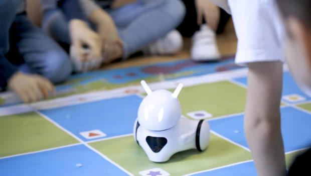Przyszłość dzieje się dziś-robot Photon nauczy dzieci programowania