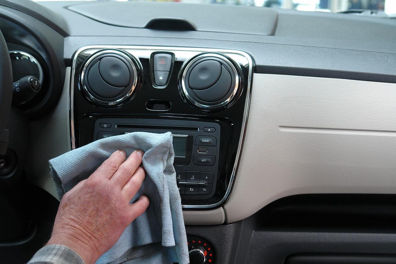 Cofnięty licznik – plaga na polskim rynku samochodów używanych