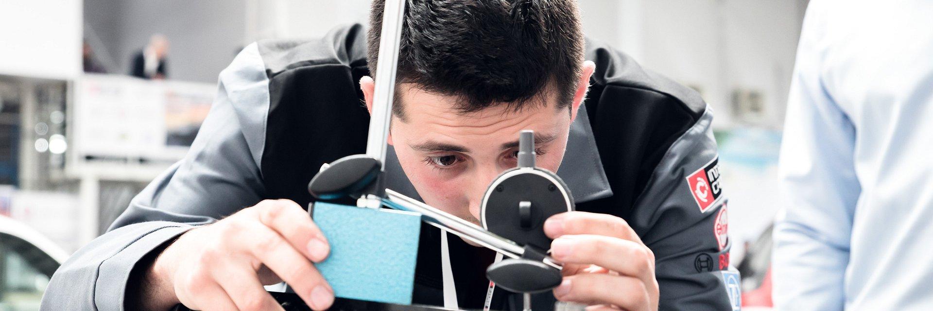 Młodzi mechanicy znów zawalczą o tytuł Young Car Mechanic