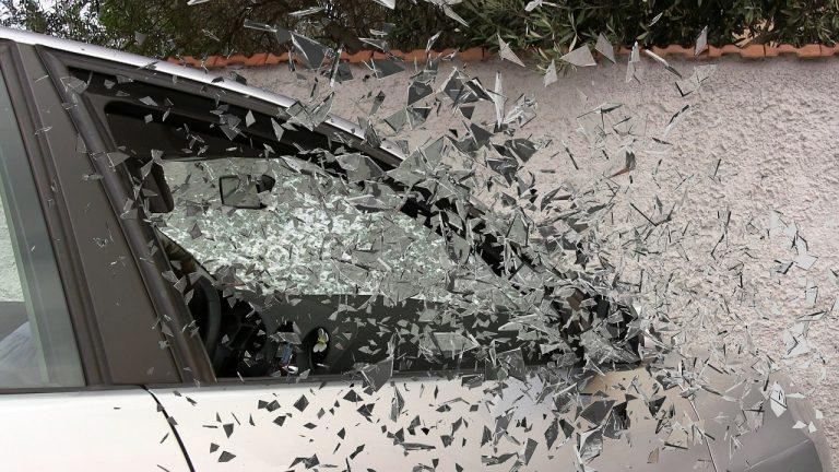 Zagraniczny wypadek samochodowy może słono kosztować turystę