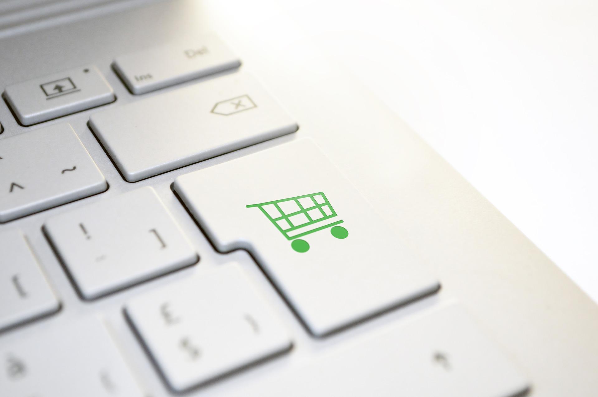 "Raport ""E-commerce w Polsce 2019"""