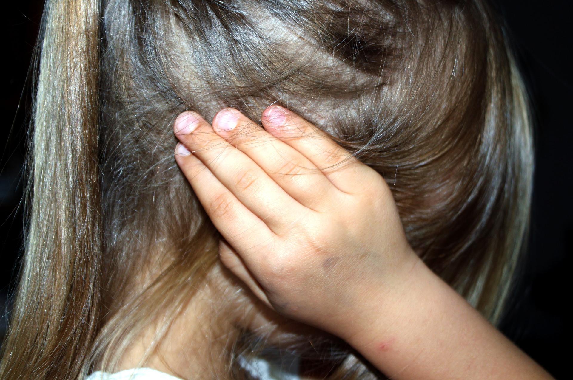 Rodzice nie wiedzą, jak rozmawiać z dziećmi o swoich problemach