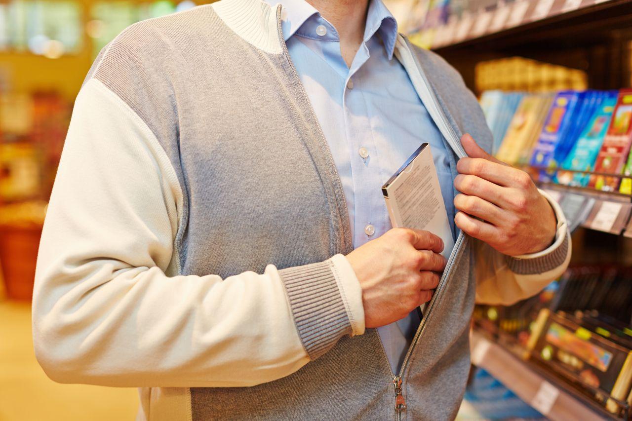 Raport: straty w towarach kosztują sklepy w całej Europie ponad 49 mld EUR, w Polsce – 1,7 mld EUR rocznie
