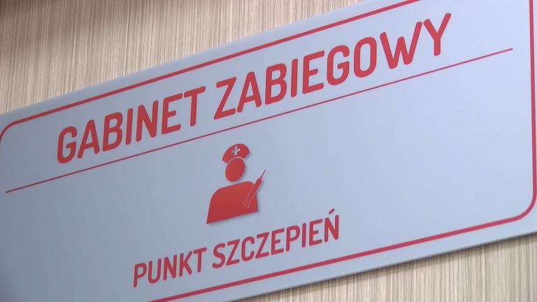 Szczepienia w aptekach – standardy europejskie wciąż niedostępne w naszym kraju