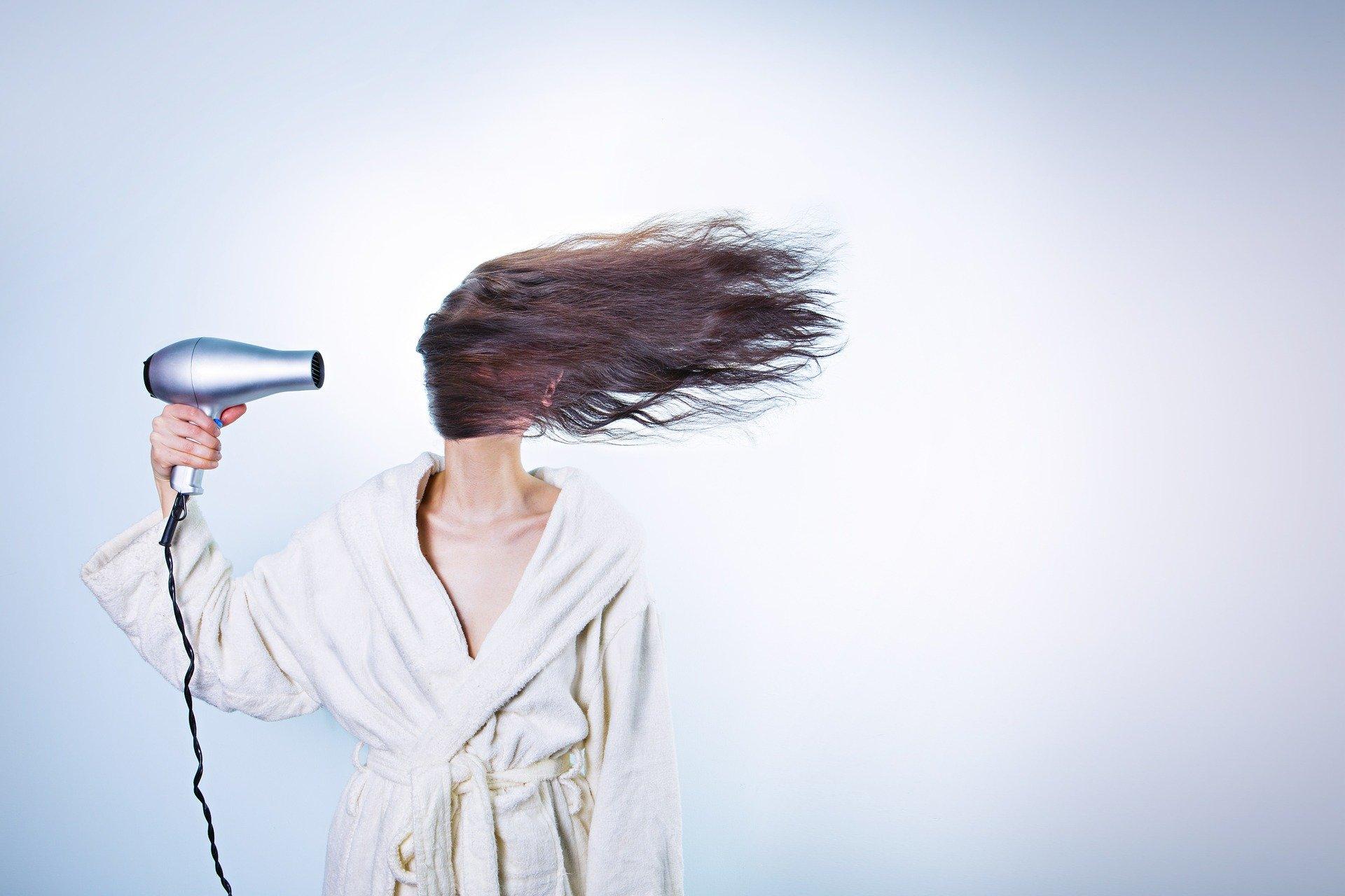 Nawyki, które niszczą włosy