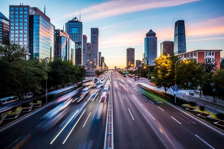 Pojazdy połączone, aplikacje i autonomiczność – technologie wspierające mobilność w 2020 roku