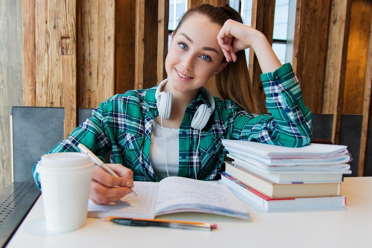 Trwają konsultacje dla uczniów szkół podstawowych