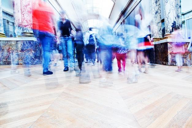 Sklepy muszą zaoferować konsumentom nowe powody do zakupów offline