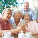 Zagraniczni seniorzy szaleją, a polscy? Chcieliby, ale są za biedni