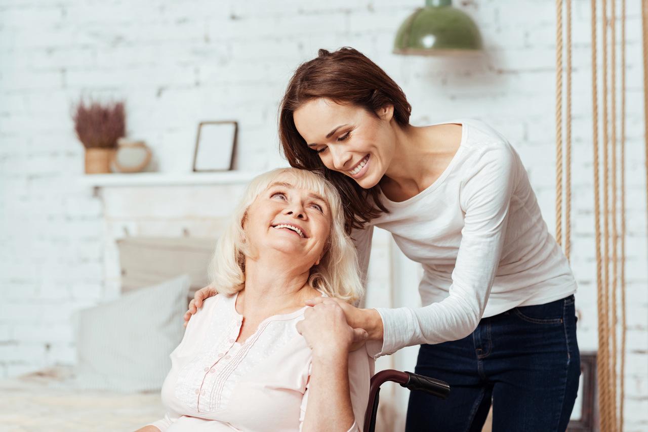 Nadciąga druga fala koronawirusa. Jak zadbać o odporność seniora?