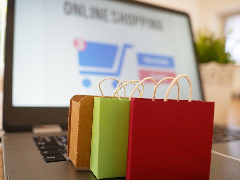 Co trzeci Polak wykorzystuje internet przy zakupie wyprawki szkolnej