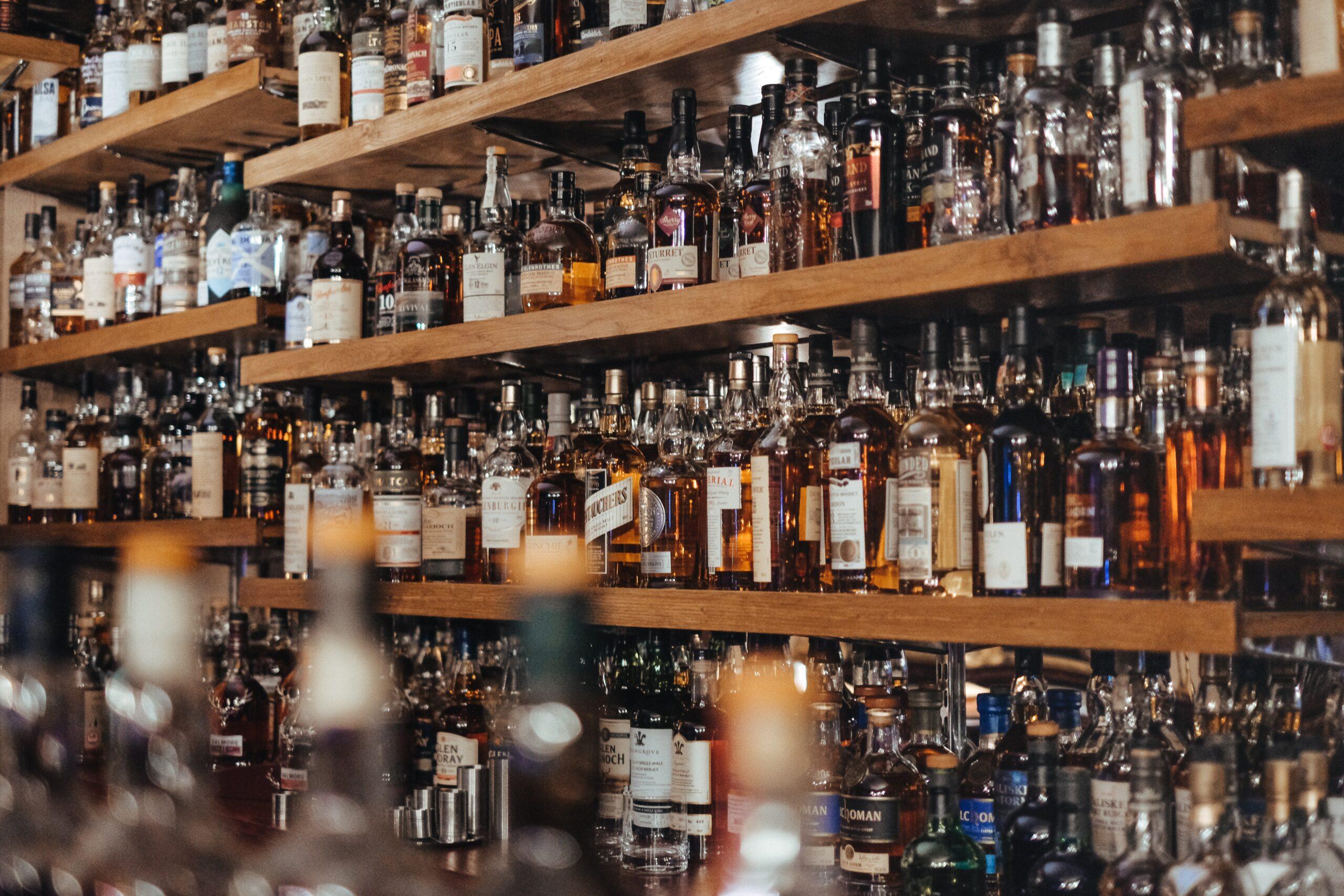 Drogi alkohol na prezent? Szkoda, że to coraz częściej podróbka