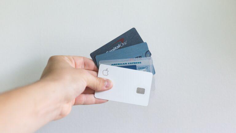 Społeczeństwo bez gotówki? Polacy coraz chętniej rezygnują z tradycyjnych metod płatności