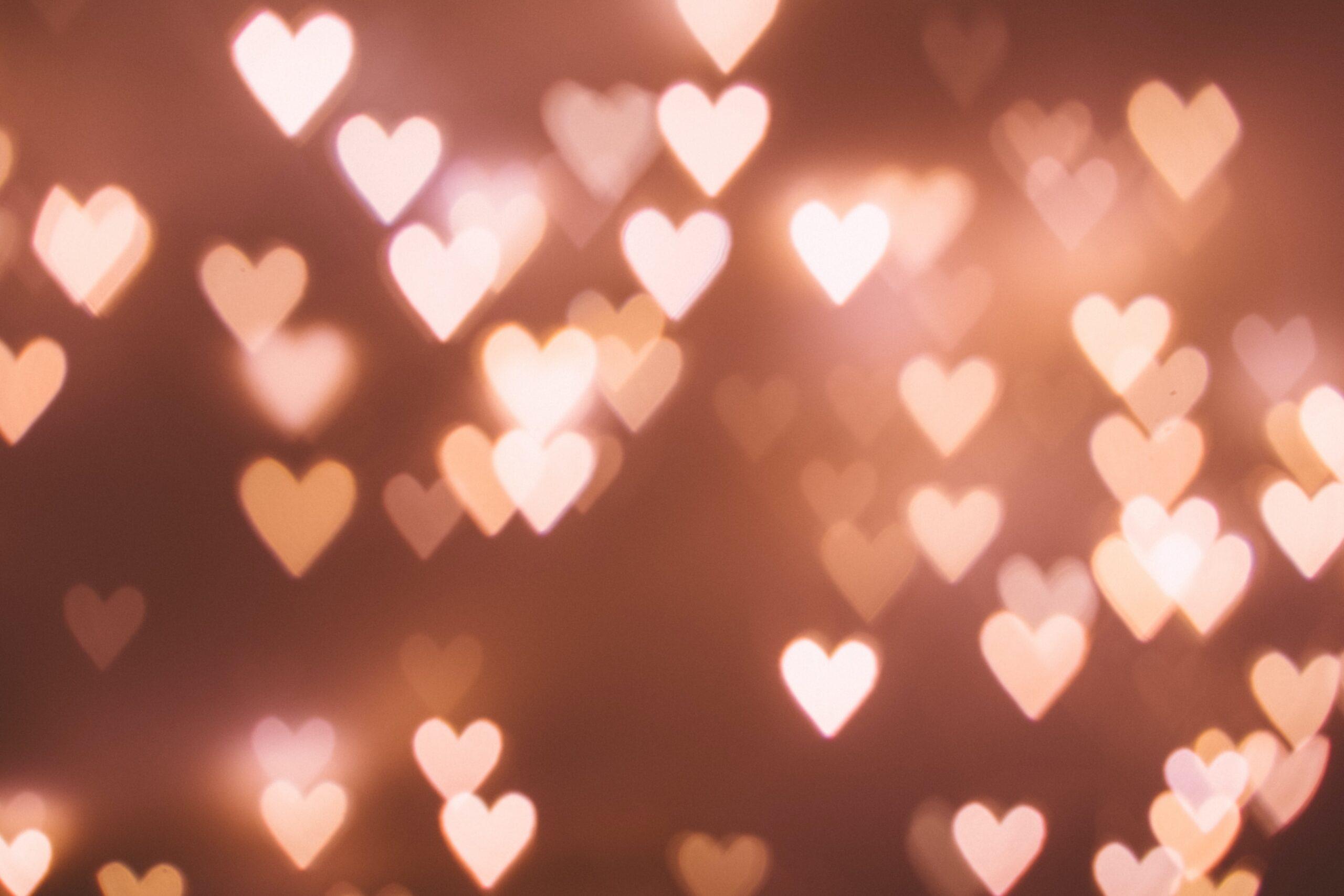 Walentynkowy savoir-vivre, czyli jak randkuje świat?