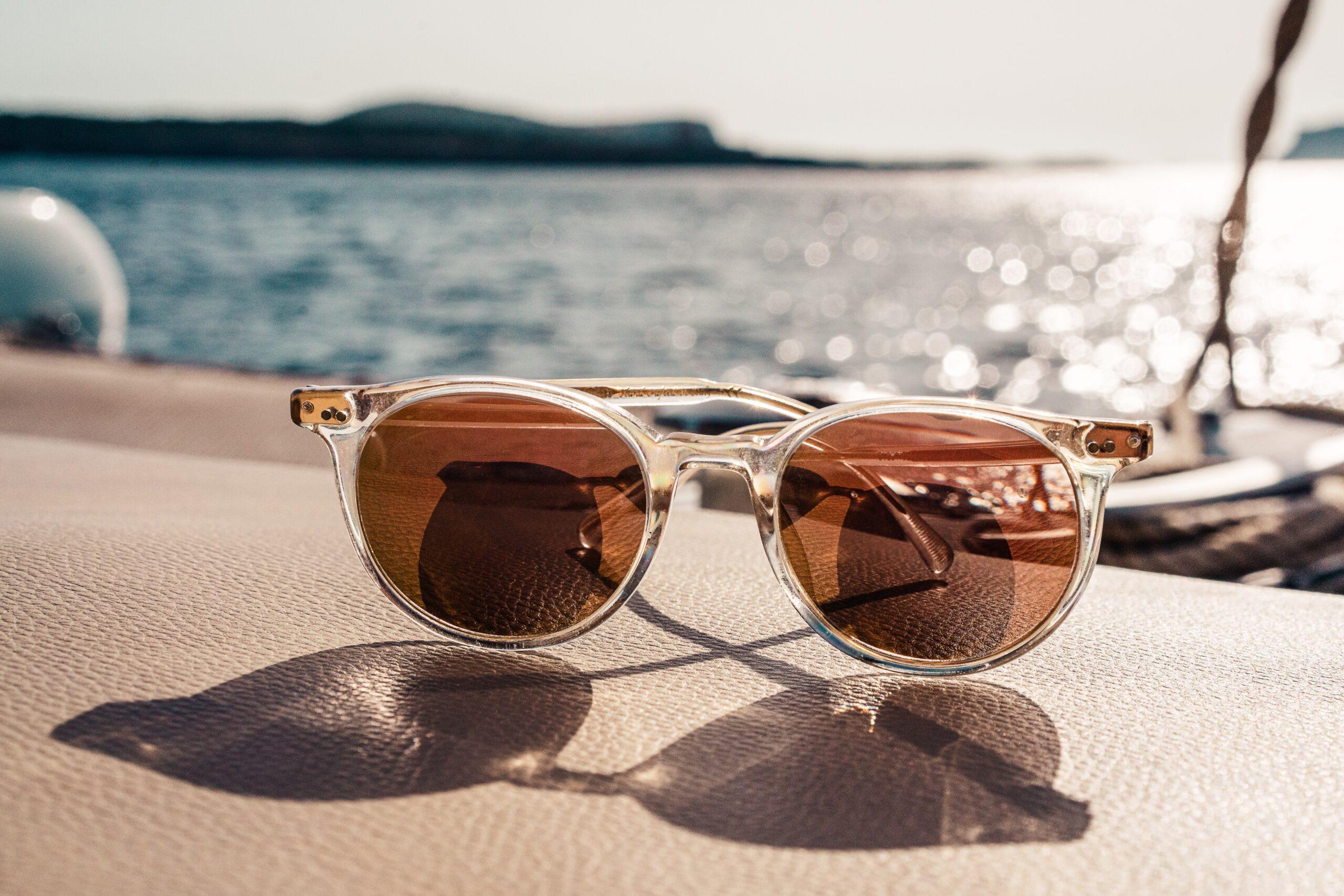 Wybieramy okulary przeciwsłoneczne – na co zwrócić uwagę?