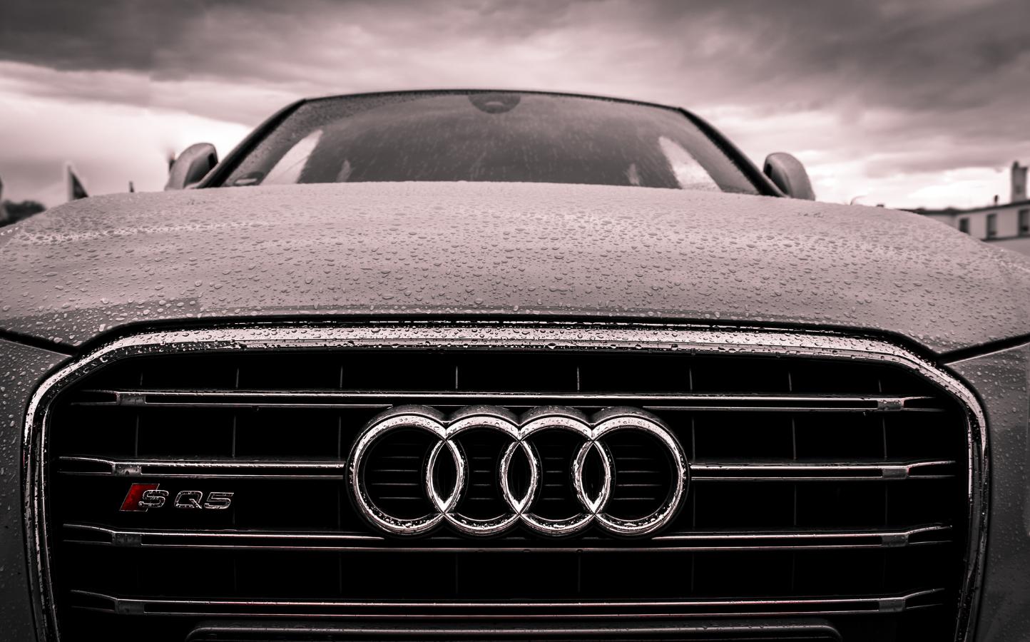 Elektryzujące jazdy próbne — testowanie uprzedzeń