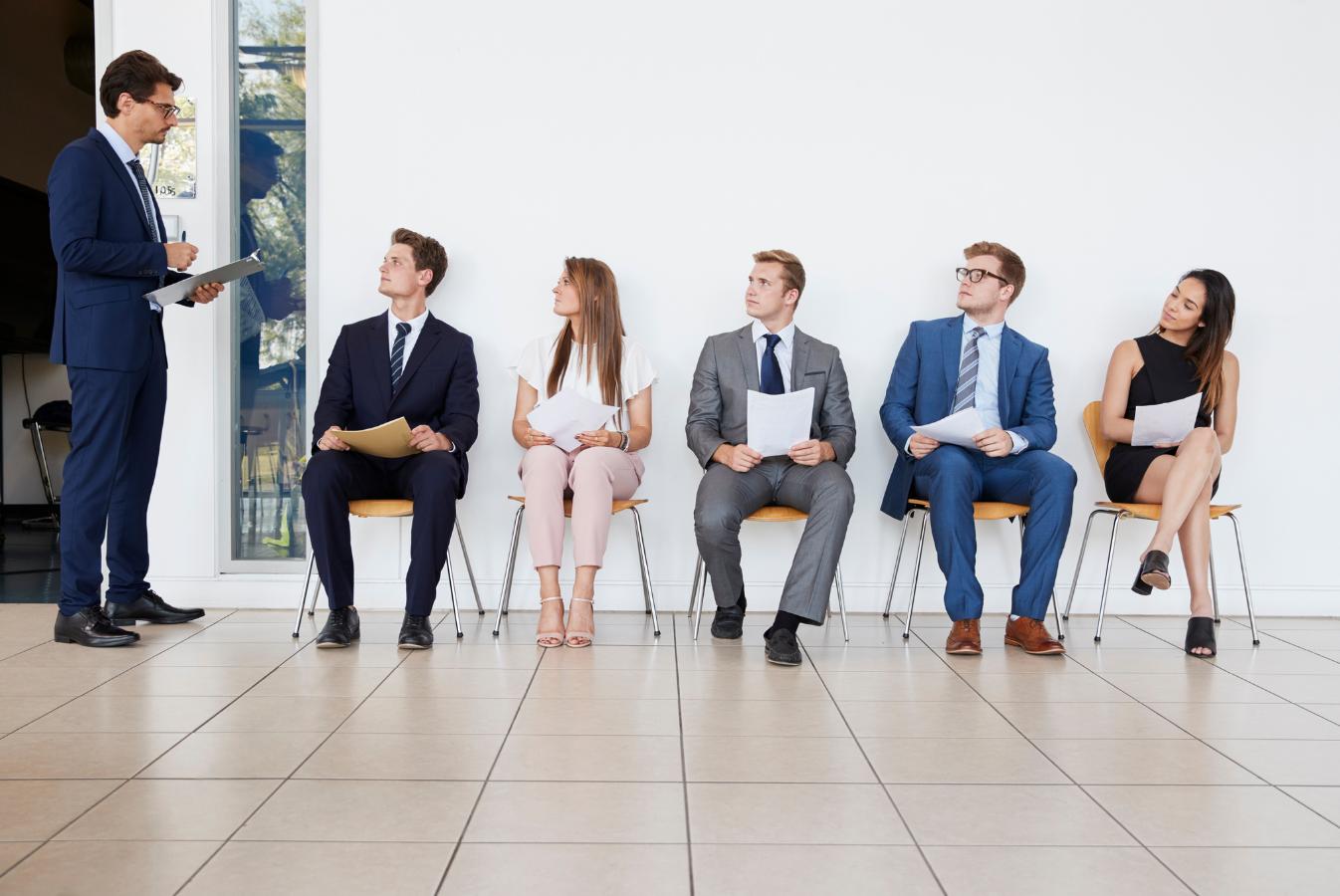 Wyzwania w rekrutacji finansistów. Jak młodzi kandydaci radzą sobie na rynku pracy w 2021 r.?