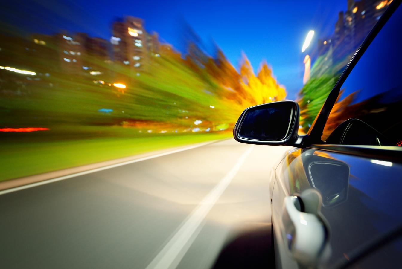 Carsharing – fakty i mity, które warto znać, zanim wypożyczymy samochód!
